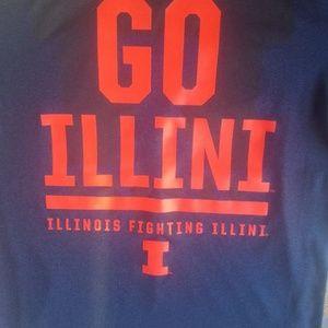 University of Illinois Nike small Dri-FIT shirt
